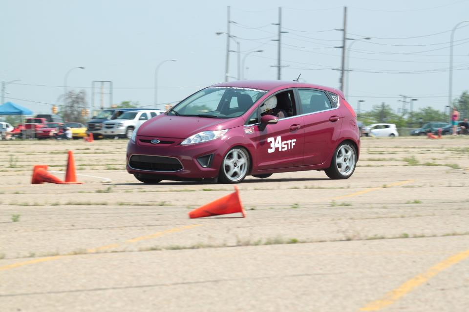 ford fiesta aim solo dl